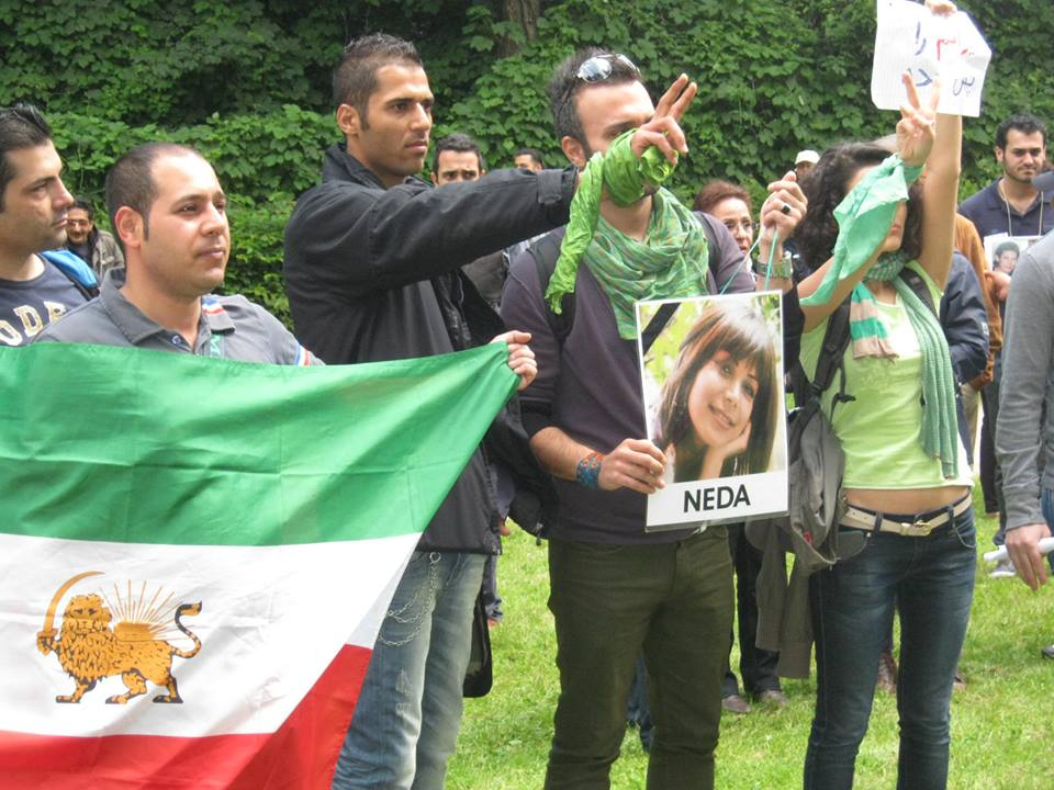 عکسهایی از نه انتصابات در مقابل کنسولگری حکومت اسلامی هامبورگ